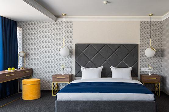 Book a Suite Junior room in Odessa